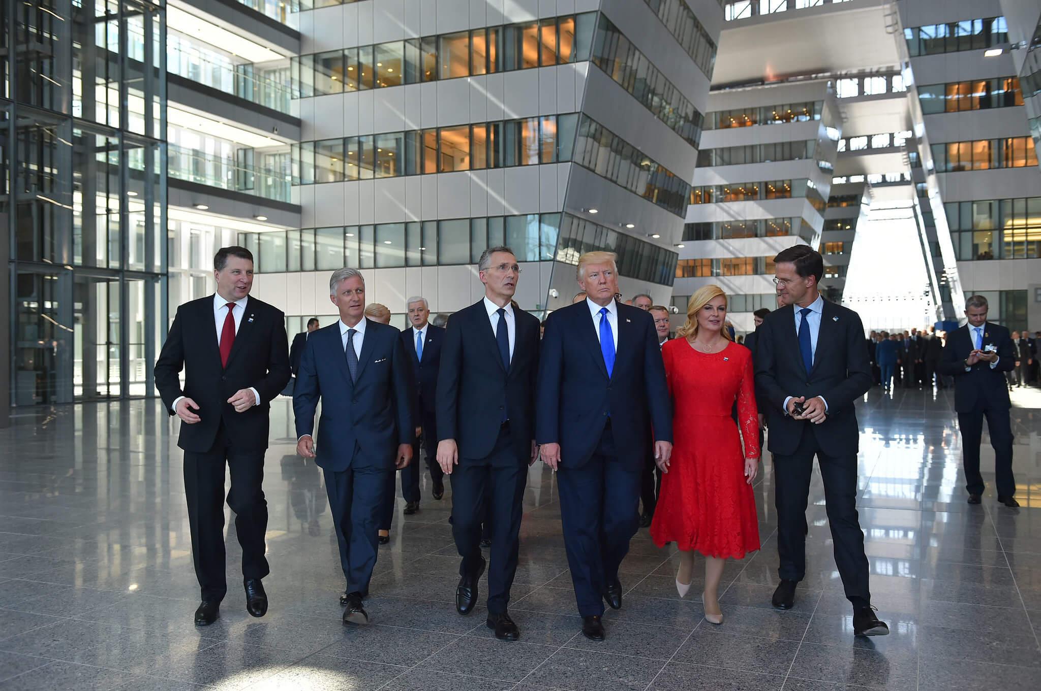 Boxhoorn-foto-Walk-Meeting of NATO Heads of State and Government in Brussels in 2017 with Dutch Prime Minister Mark Rutte on the right. NATO