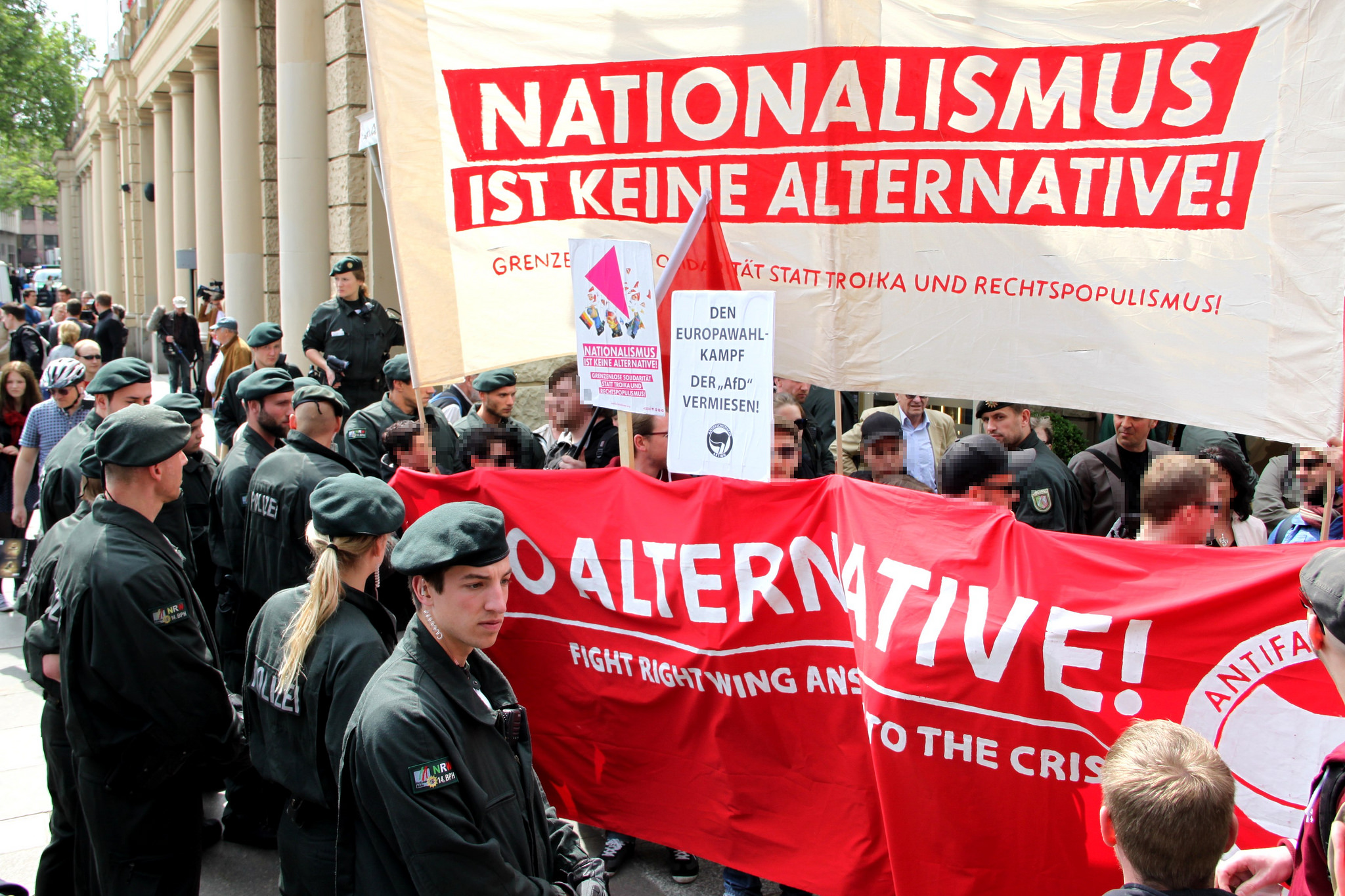 Anti-AfD protest in Germany. 'Although the party has a rightist conservative ideology and uses populist strategies, AfD in itself is not populist, anti-EU or racist.' Source: Flickr / strassenstriche.net