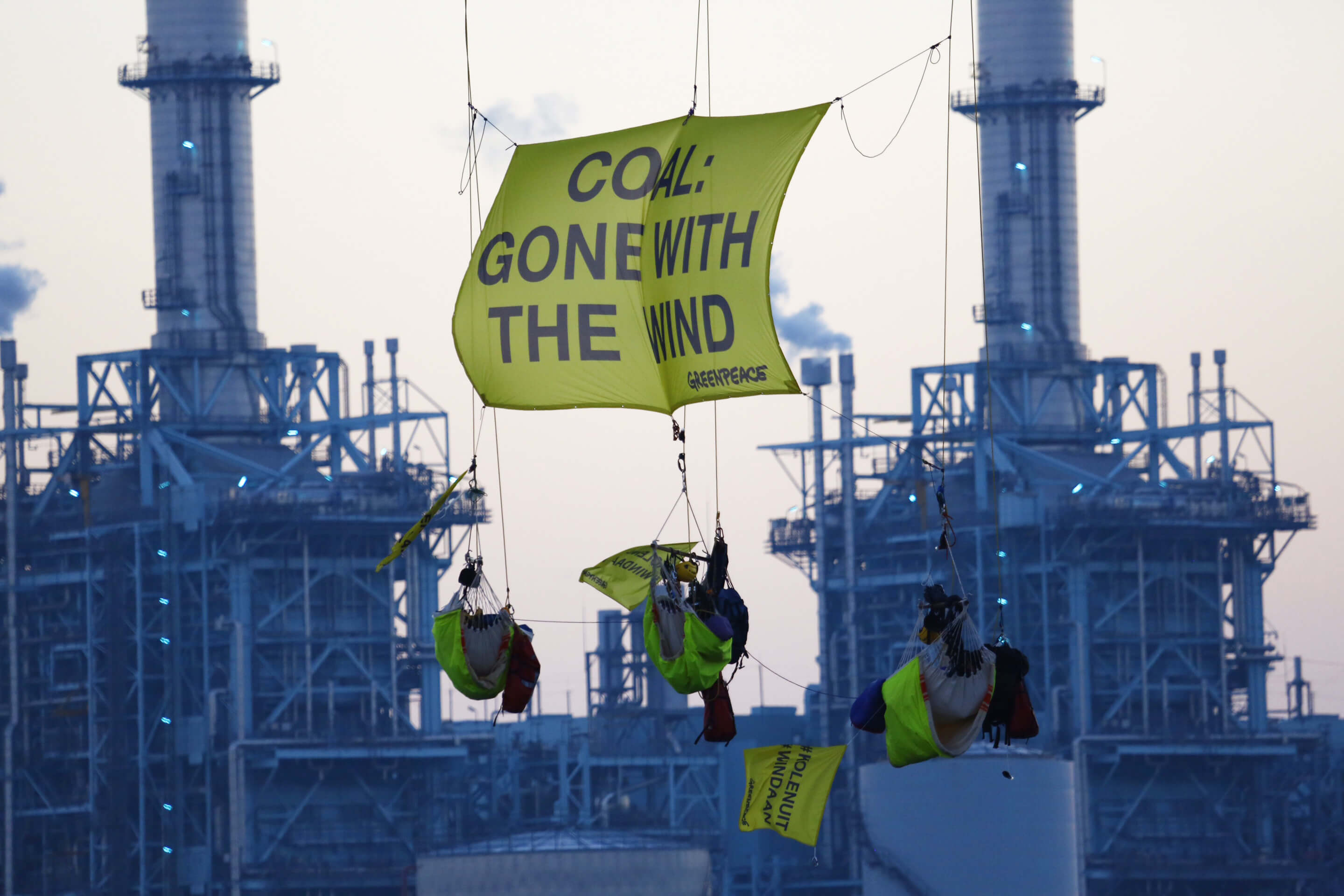 Blockade of the Essent coal-fired power plant in 2016 by Greenpeace. © Greenpeace Nederland / Flickr