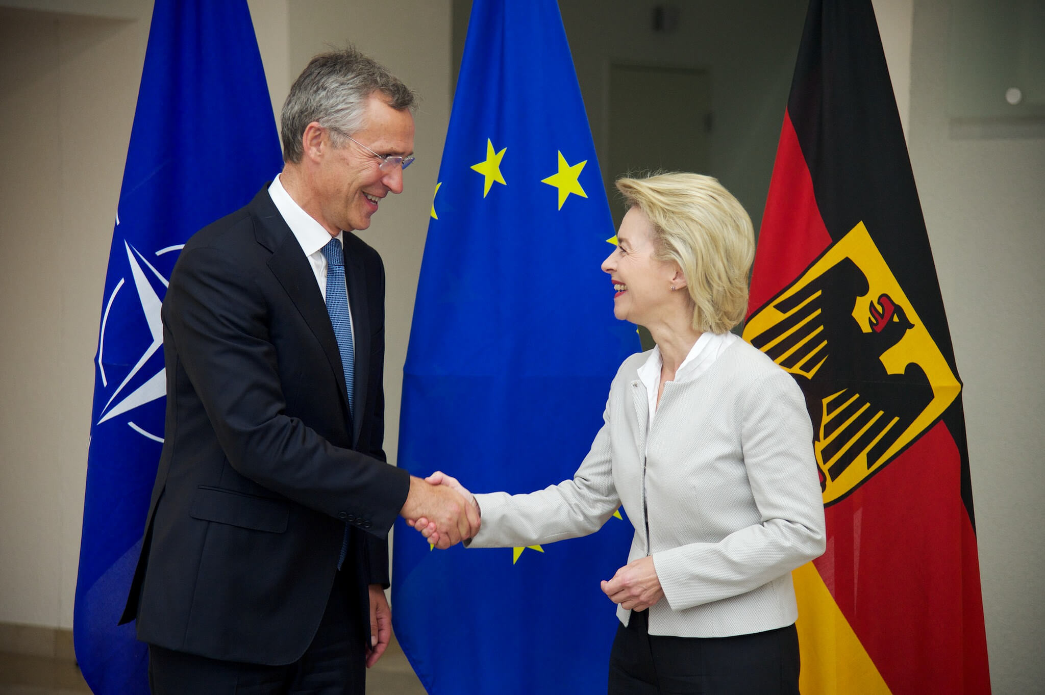 Homan-foto2-NATO Secretary General Jens Stoltenberg meets with the German Minister of Defence, Ursula von der Leyen-2 sept 2016-NATO-Flickr