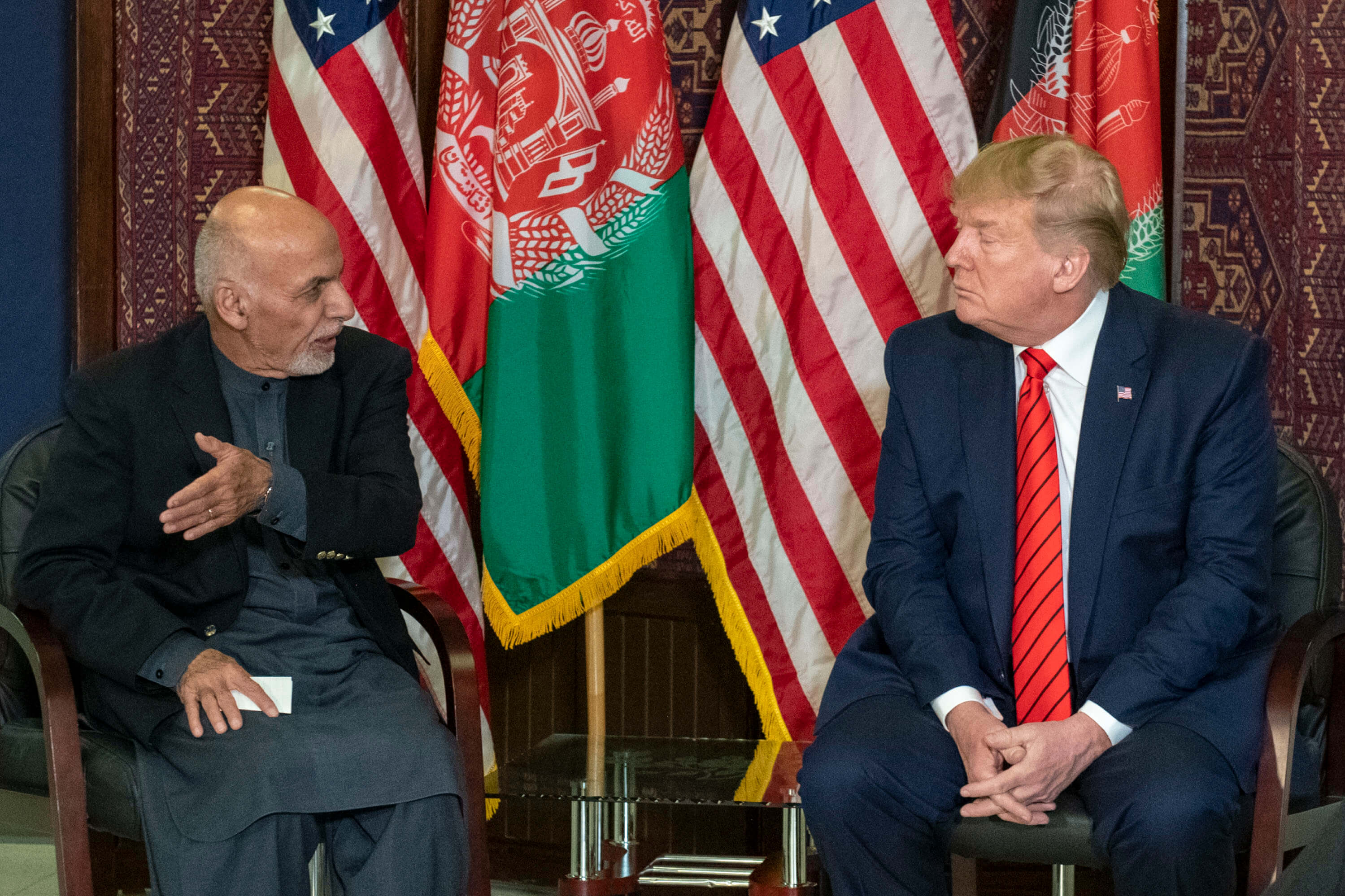 President of the United States Donald J. Trump and President of Afghanistan Ashraf Ghani have a meeting at Bagram Airfield in Afghanistan, November 2019. © Chairman of the Joint Chiefs of Staff/Flickr