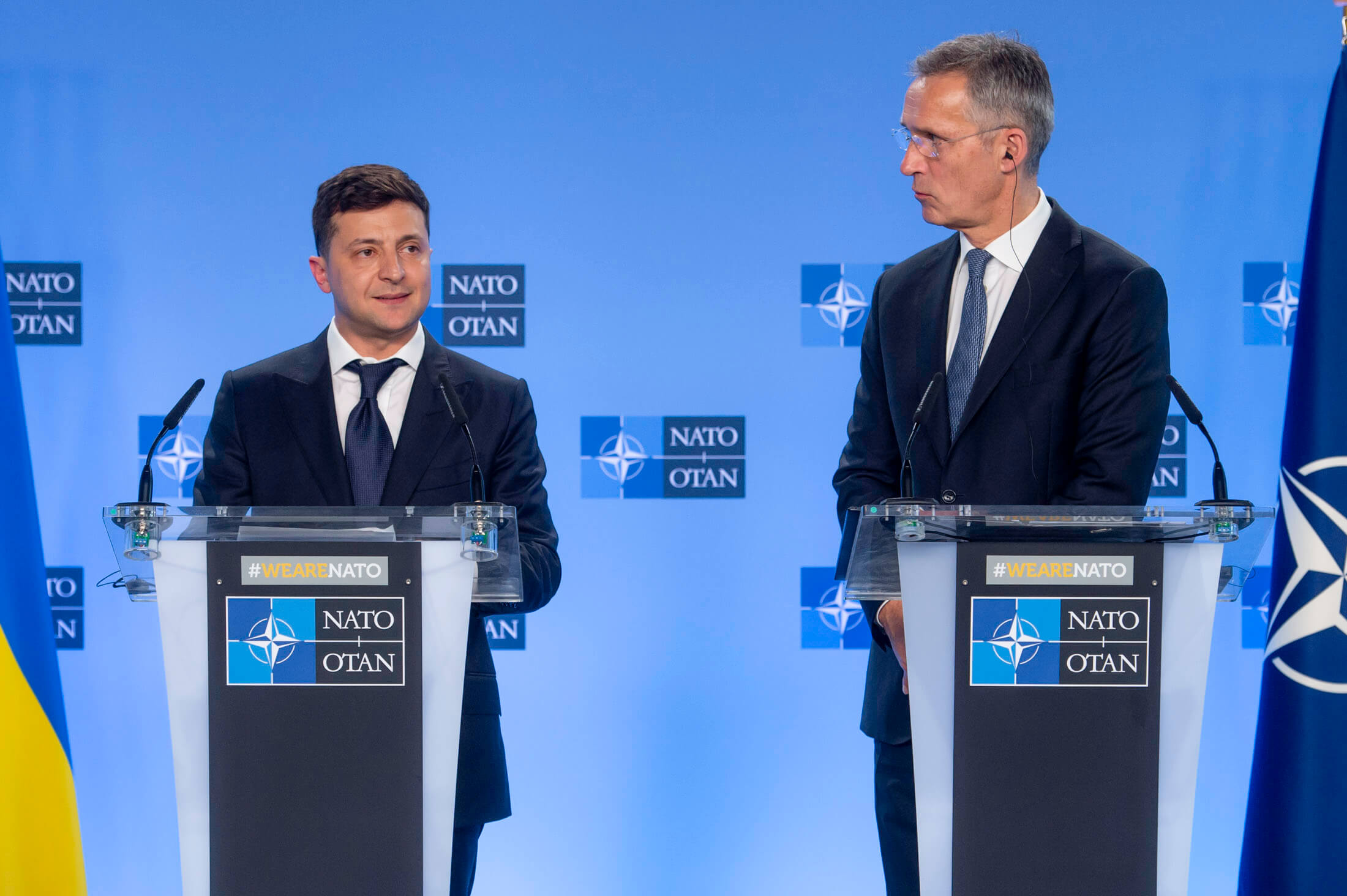 Klijn-foto-Joint press point by NATO Secretary General Jens Stoltenberg and the President of Ukraine, Volodymyr Zelenskyy in June 2019. © NATO