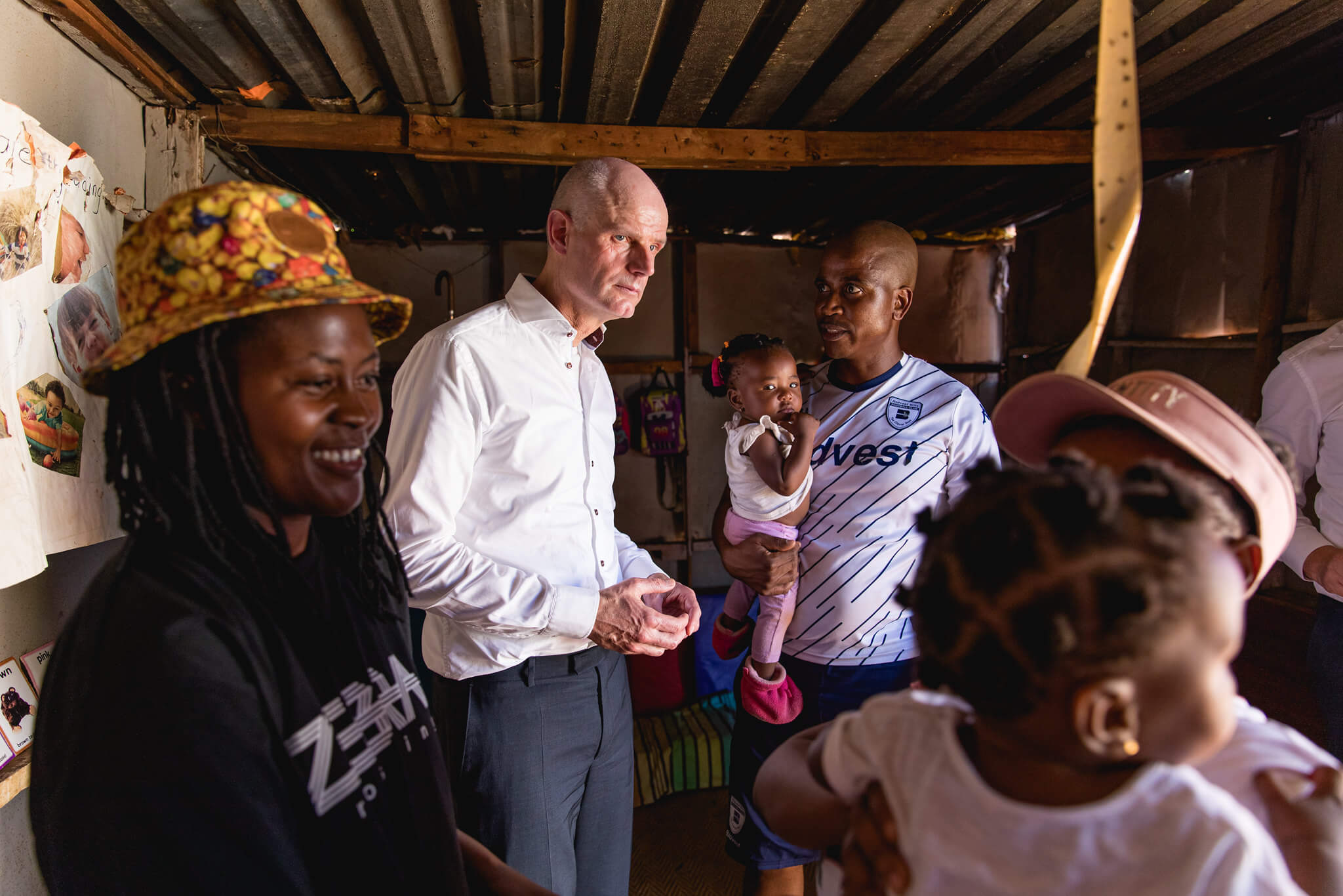 Links  - Dutch minister of foreign affairs Stef Blok during a visit to South Africa in February 2020. Ministerie van Buitenlandse Zaken