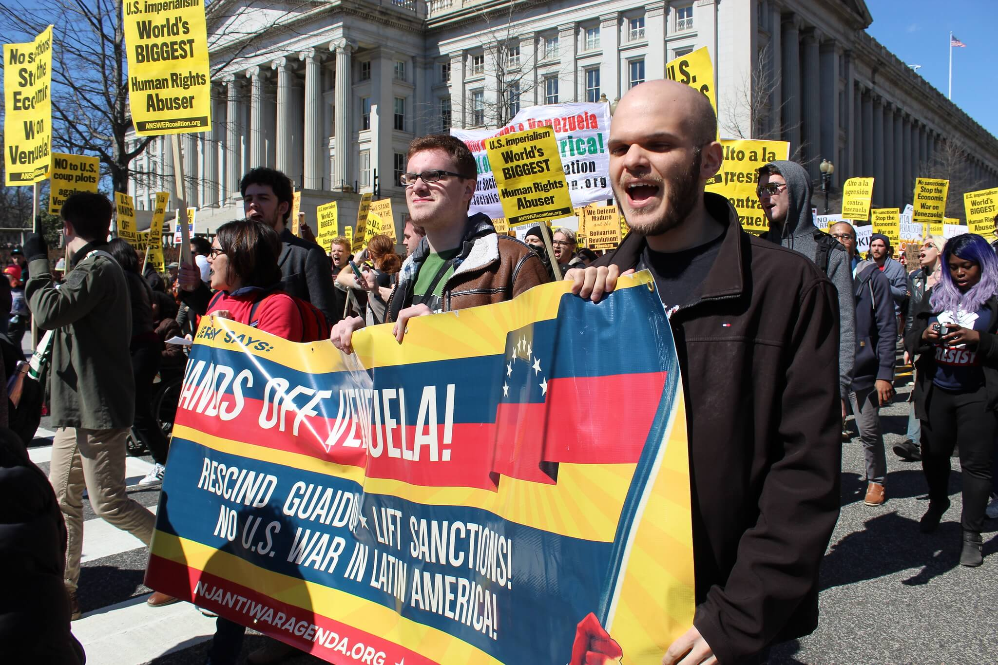 """Hands off venezuela"" demonstratie in de Verenigde Staten/ ©Flickr/Elvert Barnes"