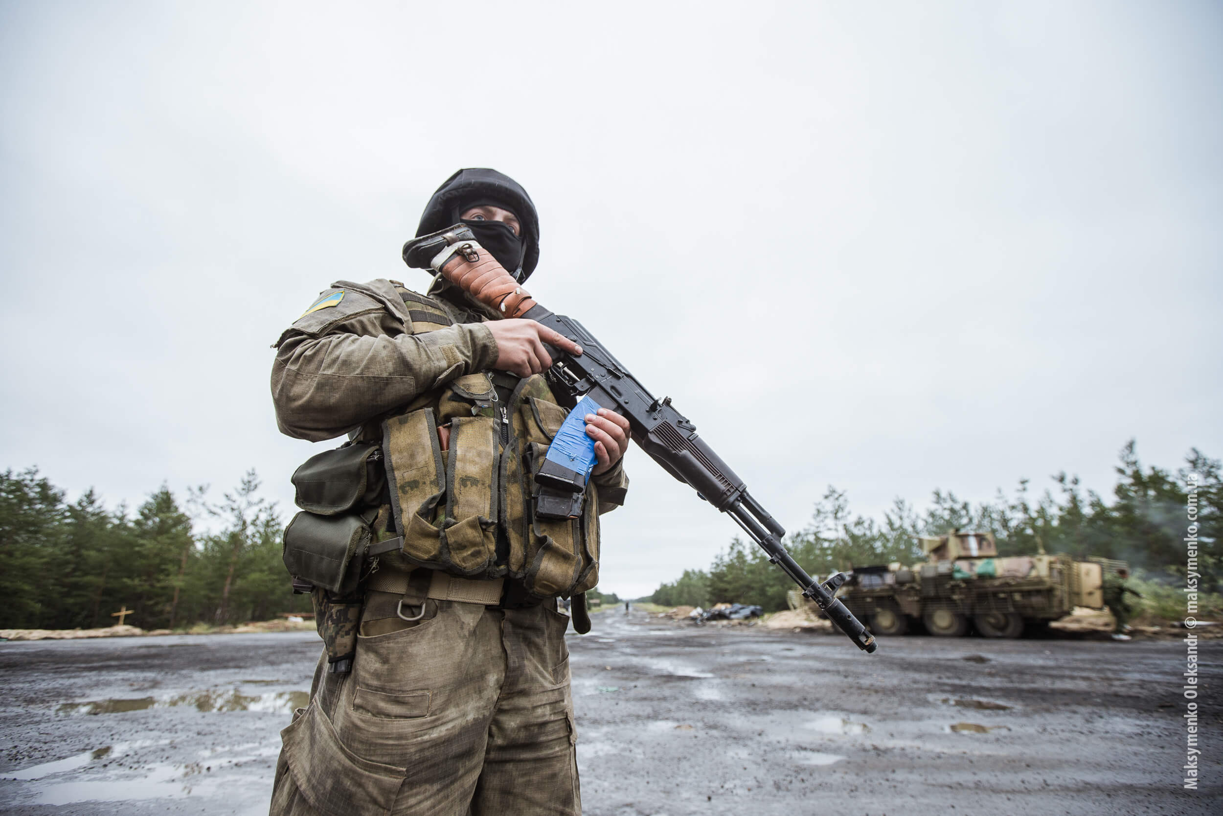 Smeets-foto1-Ukraine army cuts off main road to Sloviansk-27 juni 2014-Sasha Maksymenko-Flickr