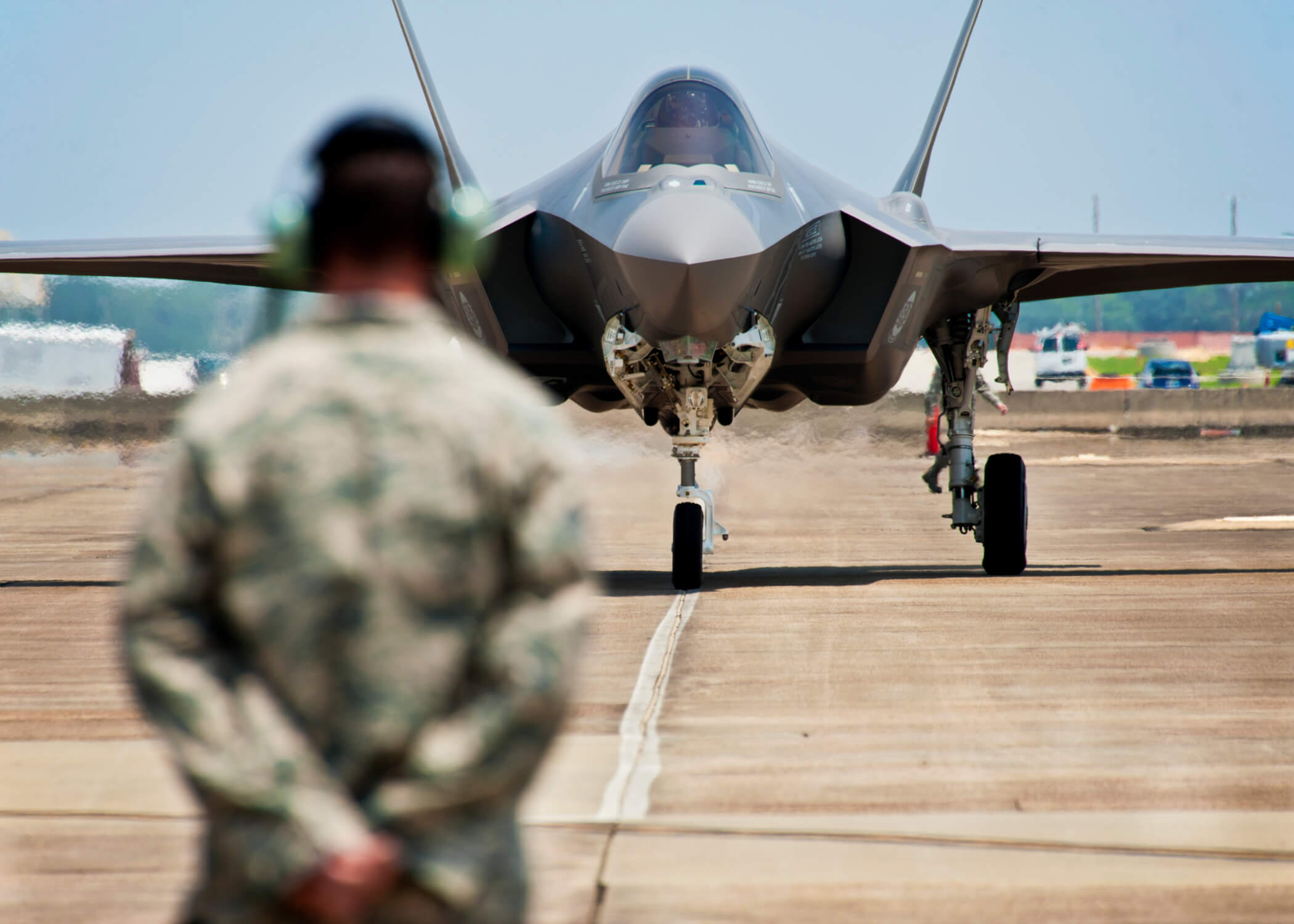 F-35 fighter jet landing. © Samuel King Jr/Flickr