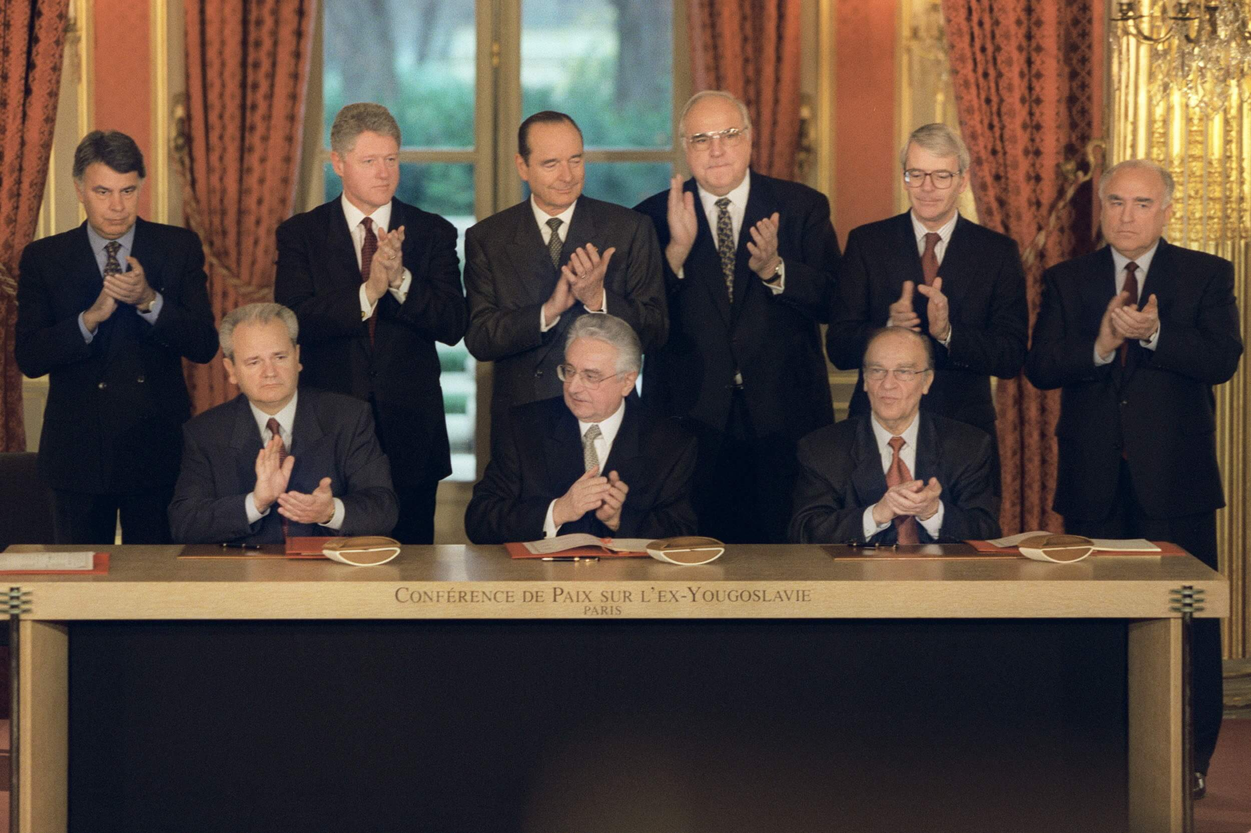 Signature of the Dayton Peace Agreement in Paris at 14 December 1995. © Flickr / NATO